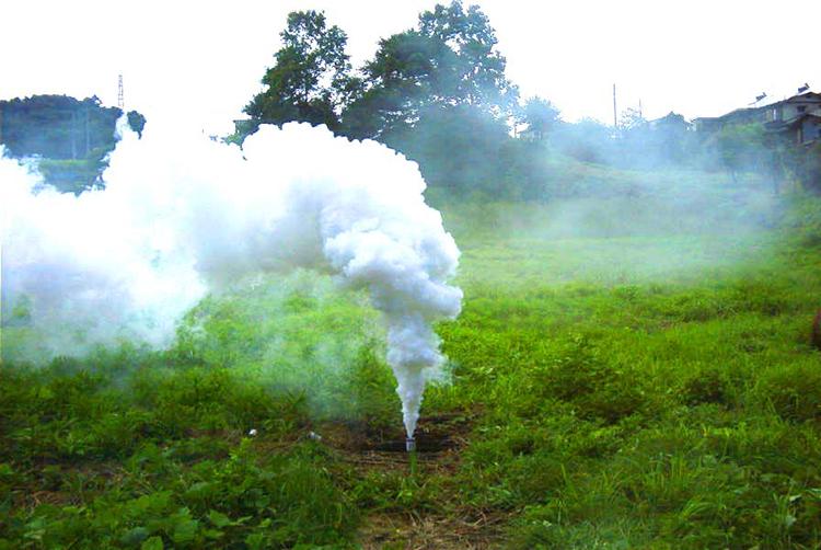 発煙筒使用イメージ